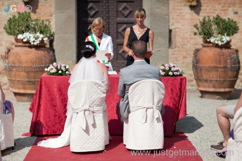 tuscany wedding officiant