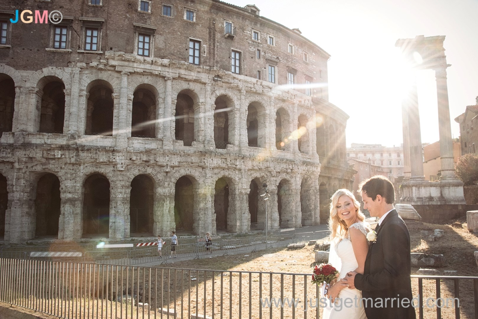 colosseum marriage in rome photo getting married in rome