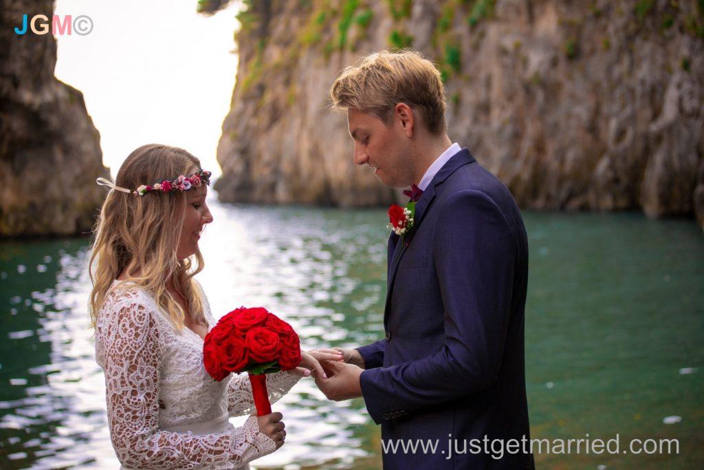 beach wedding elope ceremony amalfi positano
